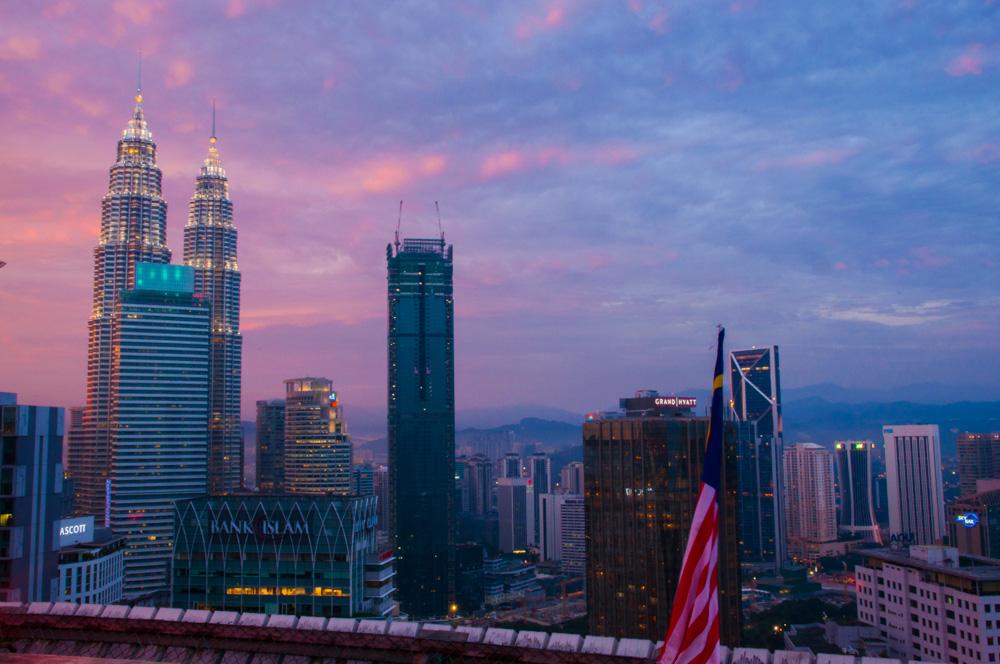route door Maleisië - Petronas Towers Kuala Lumpur