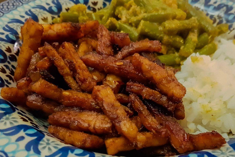 Wereldse gerechten: recept voor sambal goreng tempeh uit Indonesië