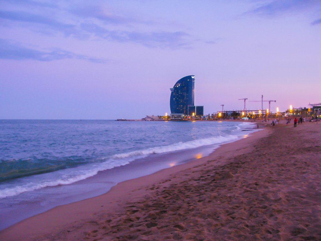 Madrid of Barcelona - strand van Barcelona
