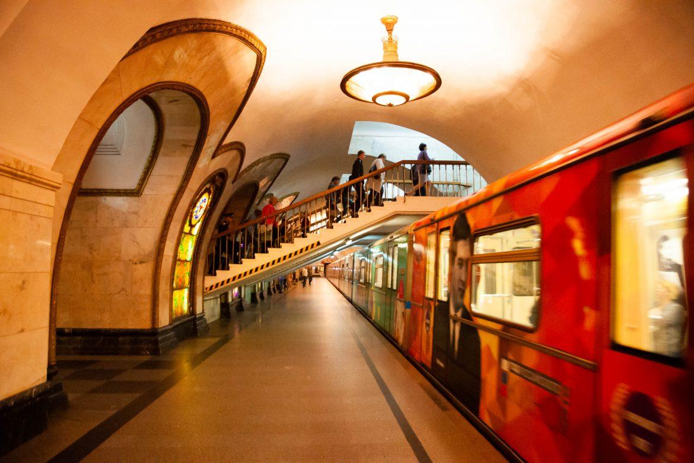Balzaal of Metro? Pracht en praal in de metrostations van Moskou