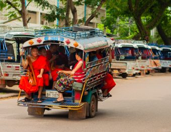 Wereldreisdagboek #6: Van billen knijpen in de bus tot houten billen op de scooter