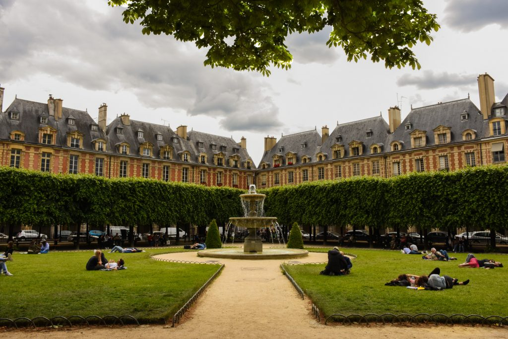 Le Marais Place des Vosges Parijs
